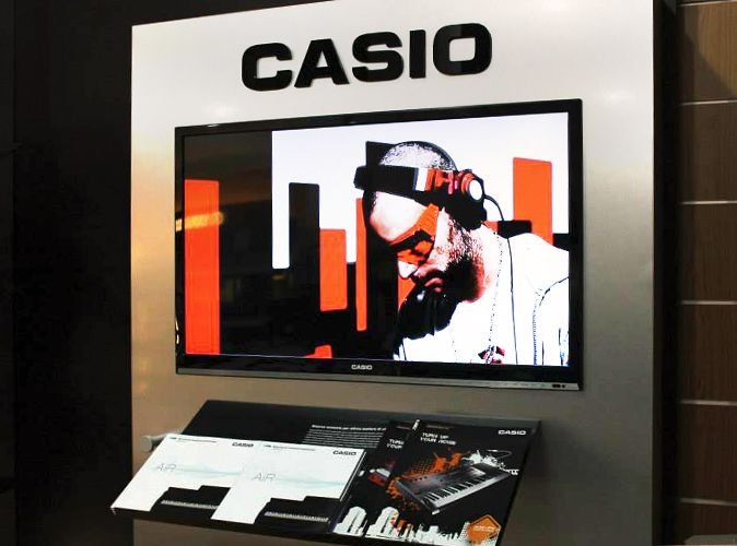 Interior Design for CASIO Italia. Exhibition areas design, production and setup within music stores. Suitable technologies and materials research and selection.