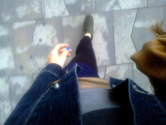 walk with blue nails and stuff