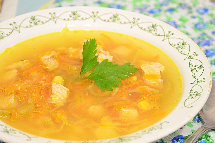Суп с куриными горлышками и вермишелью