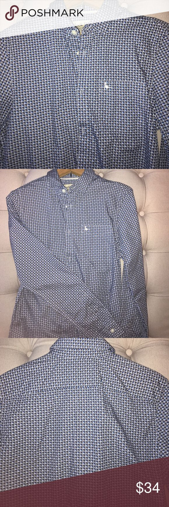 Unique Jack Wills Slim Fit button down Worn once, amazing quality. Can be dressed up with a blazer, or dressed down with some jeans or shorts! Love the print, it's a mix of light gray, dark navy, light blue, and white. Jack Wills shirts run slimmer than most Jack Wills Shirts Casual Button Down Shirts