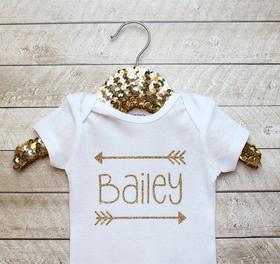 How adorable is this?! High quality gold heat transfer vinyl is used to design this bodysuit! ******In the Note to seller section at checkout