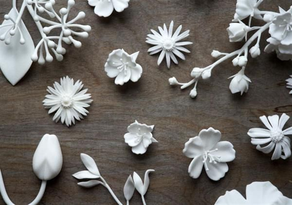 Kasia Wisniewski designs 3D printed bridal accessories - 3D printed flowers for your hair or bouquets