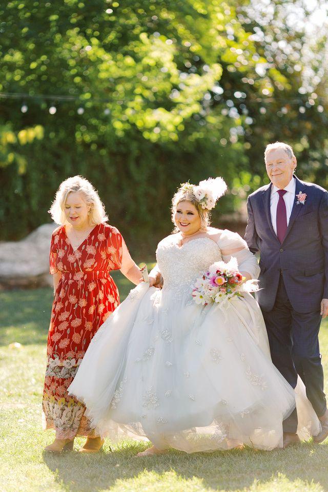 Lauren Alfonso The Madonna Inn Laura Ford Photos Slo Madonna Inn Wedding 57 In 2020 Wedding Wedding Events Bride
