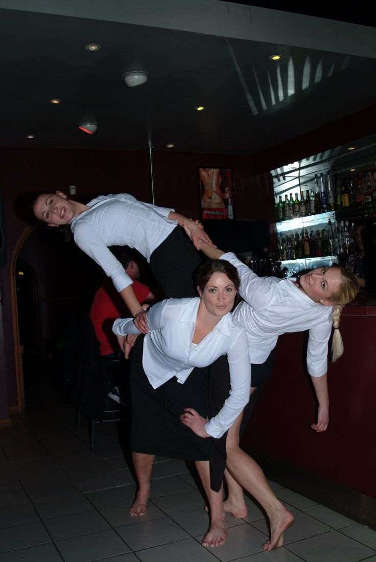 Java Dance Company. Espresso 2003. Photographer Simon Woolf, Dancers Rosanne Christie, Melanie Golding, Sacha Copland