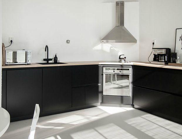 25 beste idee n over zwarte keukens op pinterest modern keukenontwerp en kasten op maat - Deco keuken chique platteland ...