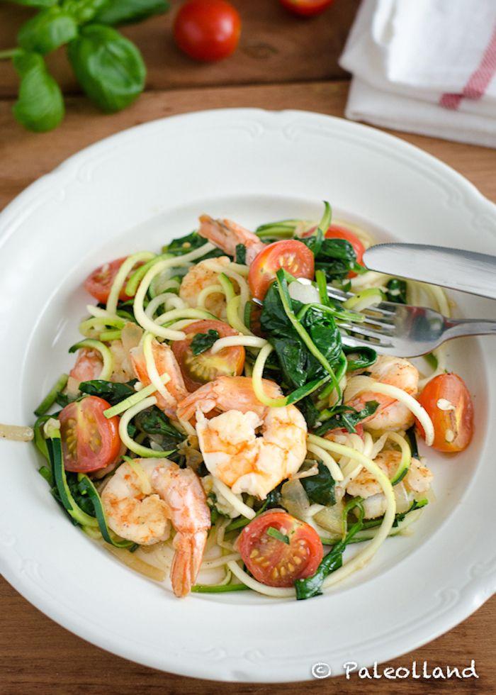Zoodles met garnalen en spinazie
