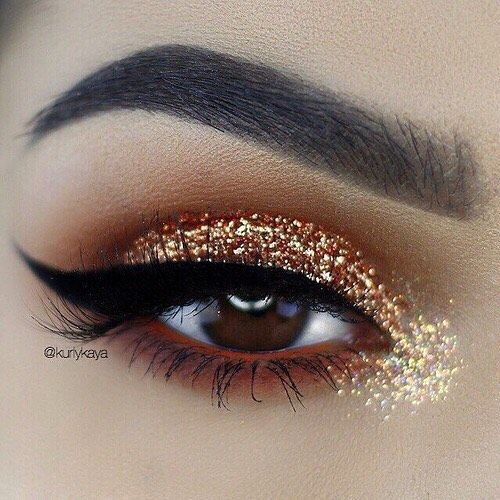#makeup #glitter #eyeliner . #hno ✨ http://ameritrustshield.com/ipost/1551528202685376370/?code=BWIIq4UD-dy