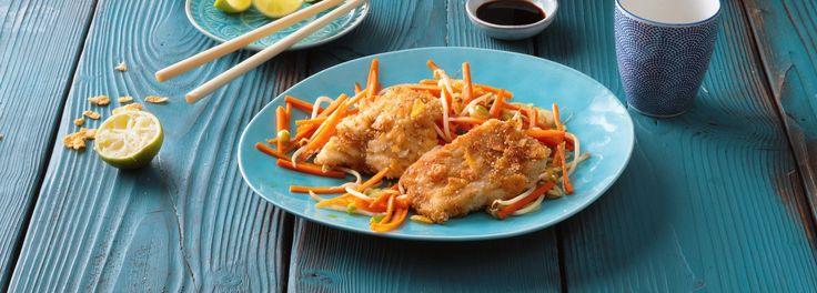Rotbarsch in knuspriger Sesampanade harmoniert perfekt mit gemischtem Gemüse asiatischer Art. Entdecken Sie hier unser REWE Rezept zu diesem leckeren Gericht: »