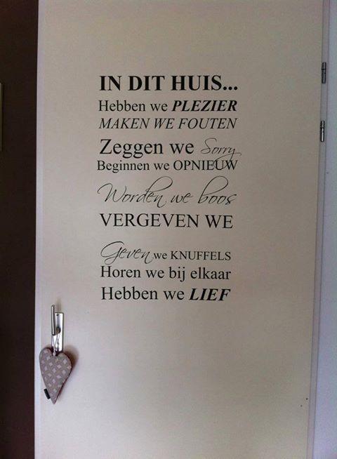 mooie sticker, http://www.maisonmarcella.nl/muurstickers/muurstickers-laugh/in-dit-huis-hebben-we-plezier-muur-trap-sticker-detail