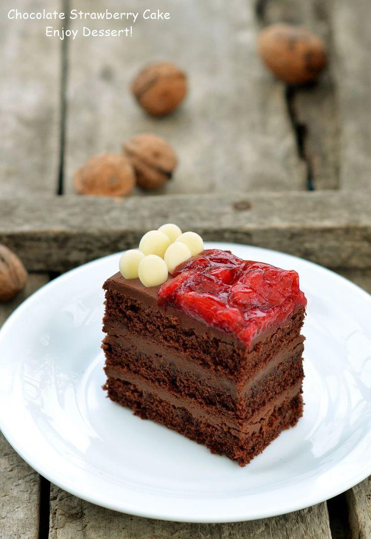 Prahitura cu ciocolata si capsune este o noua prajitura din categoria celor cu multa ciocolata. Asa cum imi plac mie. Gustul puternic de ciocolata este completat in mod delicat de un sirop si un jeleu de capsune. In ansamblu merge de minune impreuna si confera un gust dulce-amarui foarte gustos acestei prajituri. Datorita gustului intens […]