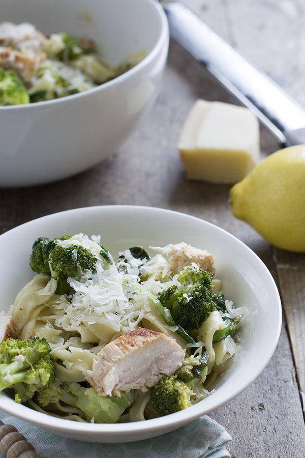 Citroenpasta met broccoli en kip