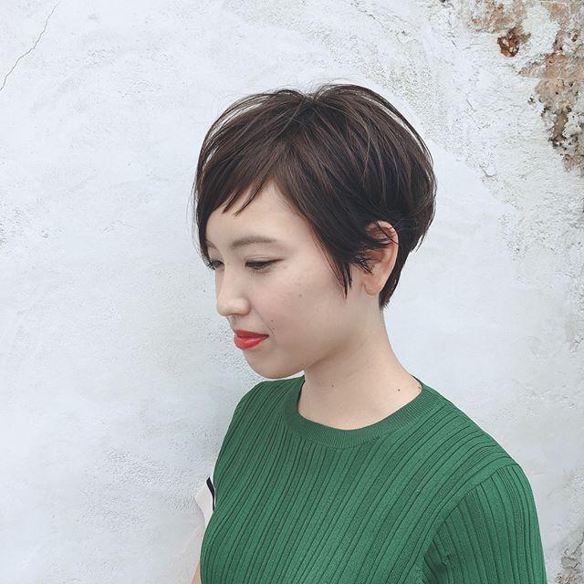 ママにおすすめのおしゃれな髪型 簡単にできるヘアアレンジなどもご紹介します Folk ヘアスタイル 髪型 ショートヘア