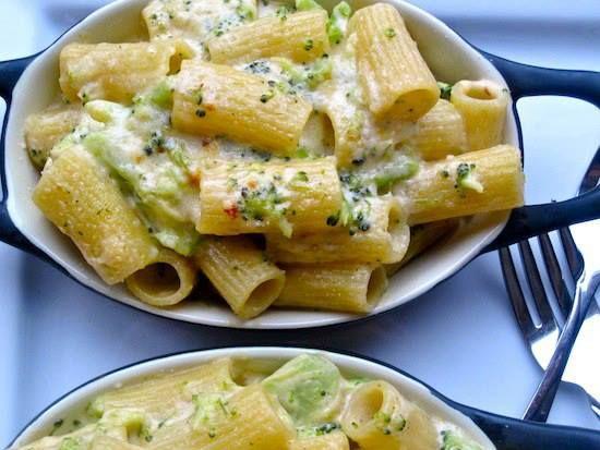 Chicken & Broccoli Alfredo - Just use Classico Light Alfredo sauce, Tyson ready-to-eat chopped chicken breast, and Fresh or frozen chopped broccoli.