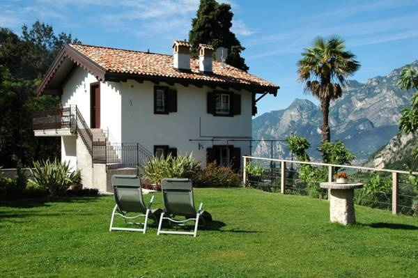 Farm Holiday Laghel7 - Arco ... Garda Lake, Lago di Garda, Gardasee, Lake Garda, Lac de Garde, Gardameer, Gardasøen, Jezioro Garda, Gardské Jezero, אגם גארדה, Озеро Гарда ... Welcome to Farm Holiday Laghel7 Arco, Boasting a sun terrace and outdoor pool, Laghel7 Agritur is located in the quiet countryside 2 km from the centre of Arco in Trentino. It offers independent apartments with a terrace overlooking the mountains and Lake Garda. With a flat-screen sat