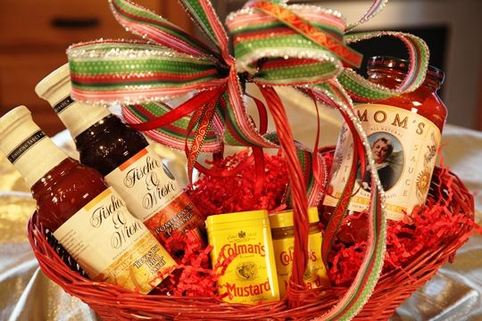 Holiday Gourmet Gift Basket How-To.  Featuring Colman's Dry and Prepared Mustard, Fischer & Wieser Gourmet Sauces and Mom's Spaghetti Sauce.    http://www.makelifespecial.com