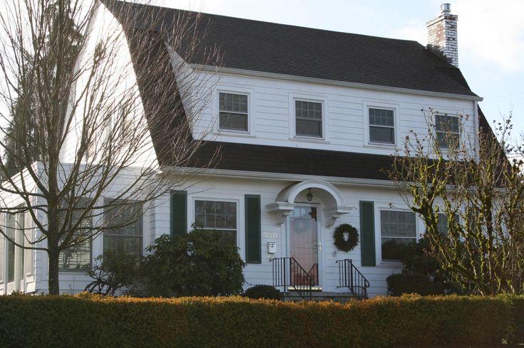 A Dutch Colonial Home in Bush Park Salem Oregon