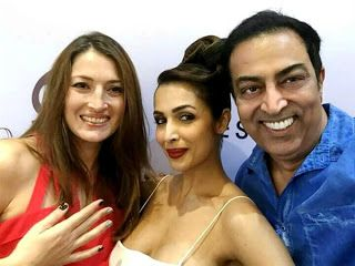 Vindu Dara Singh & his wife Dina ready to add Grandeur and Beauty to every girl's nails   http://spanishvillaentertainment.blogspot.in/2016/12/vindu-dara-singh-his-wife-dina-ready-to.html