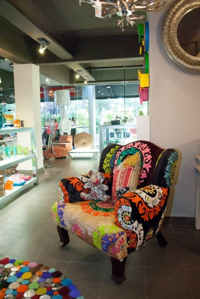 ¿Te gustan los colores vivos? De seguro este sillón es tu mejor opción. #Kare, #Colors, #Design, #Sofa.