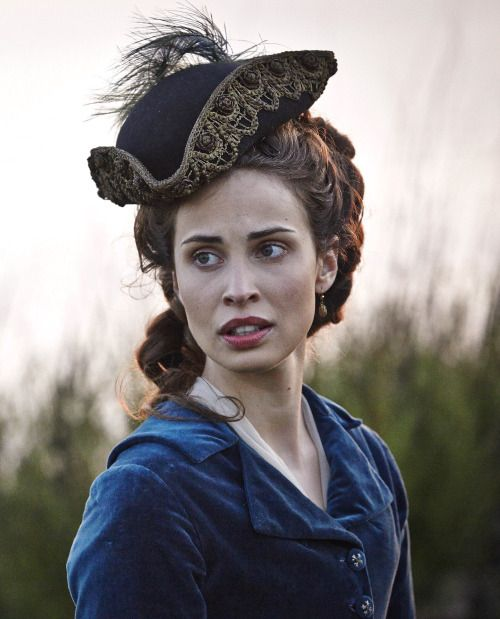 Heida Reed as Elizabeth Poldark in Poldark (TV Series, 2015).