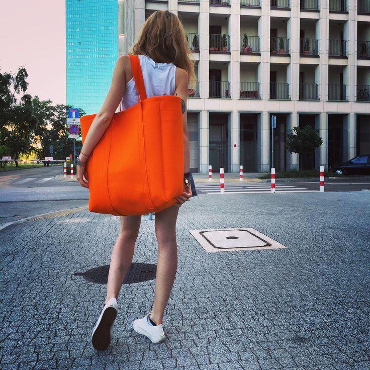 Street glam. Juicy Orange Felt Oversize Bag. By Sweet Revenge. Handmade