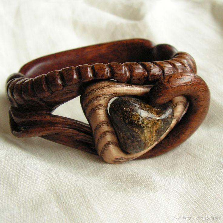 http://majzner.eu/en/bracelets/1720-bracelet-274.html