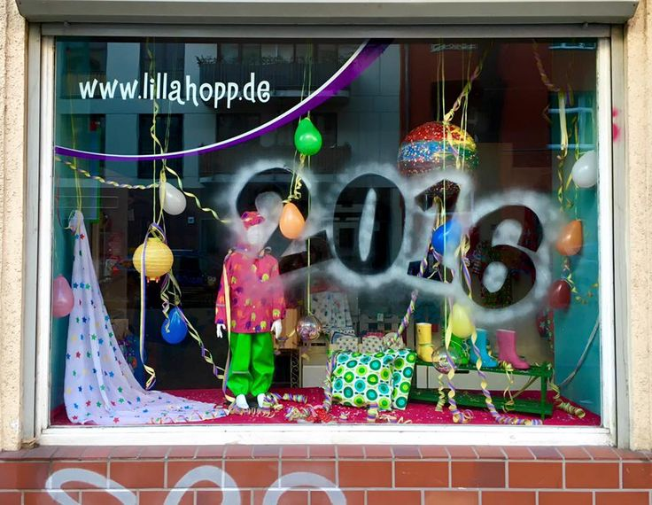 Happy new year 2016 to you and your families!  This is our shop window decoration for the New Year, done by our very talented Edda.