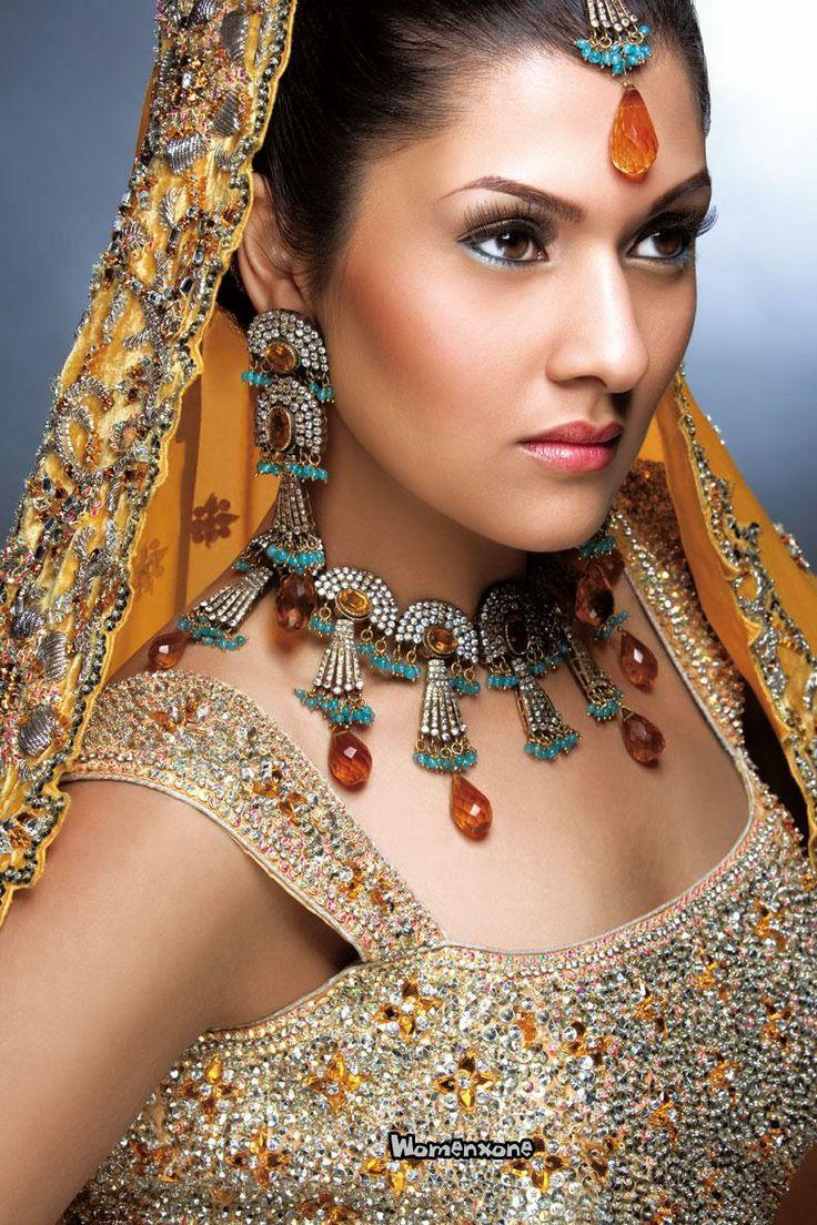 Pakistán Dulhan Joyería Vestido de maquillaje Look