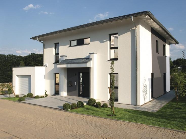 Fassade einfamilienhaus walmdach  Musterhaus CityLife 500 • Einfamilienhaus von WeberHaus ...