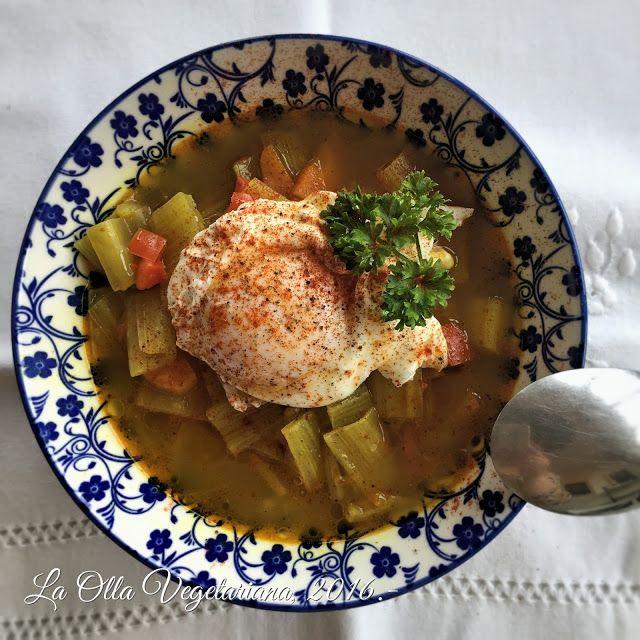 La Olla Vegetariana: Pencas de acelgas con huevo escalfado.-