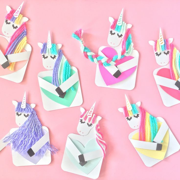 Design your own fantastical unicorn cards with my template. Make magical unicorns holding hearts as a special note for Valentine's Day, birthday or any celebration! | Beautiful Cases For Girls