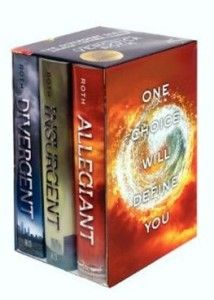 I am Divergent (Review) – Divergent Book Set Giveaway.