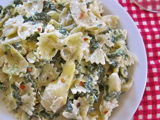 Spinach & artichoke sauce pasta