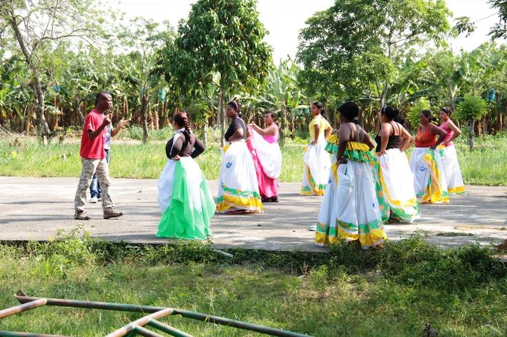 El grupo de danza en Sadem Guacamaya
