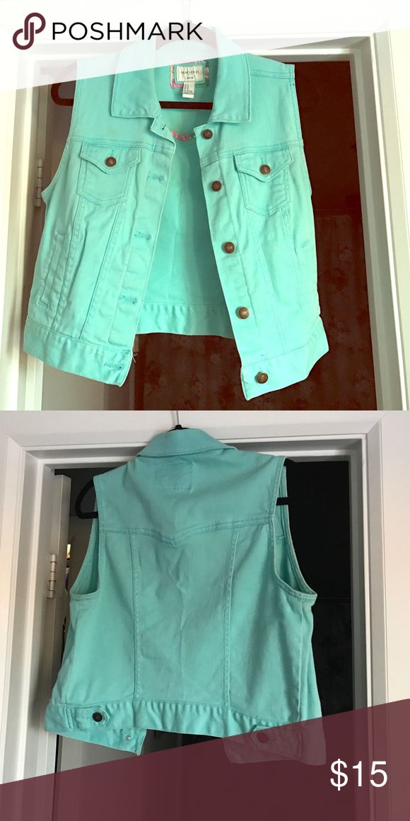Aqua jean vest Great snug fit. Perfect for a casual long sleeve or off the shoulder too underneath. Forever 21 Jackets & Coats Vests