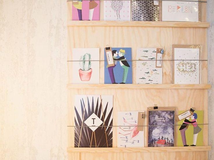 diy anleitung postkartenhalter selber bauen via dawanda. Black Bedroom Furniture Sets. Home Design Ideas