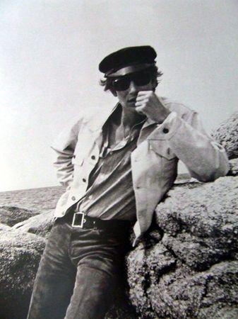 * Yves Saint Laurent à Concarneau, Bretagne 1966. Photo Pierre Bergé