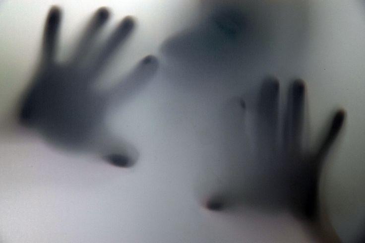 #Bochum (AFP) - Die Polizei prüft Hinweise auf eine weitere #Gewalttat des flüchtigen #Kindsmord-Verdächtigen von #Herne