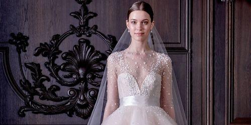 Monique Lhuillier liet zich voor haar nieuwste bruidscollectie inspireren door Alice in Wonderland en dat is te zien. Van prinsessenjurken met eindel...