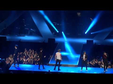 One direction up all night madison square garden - Harry styles madison square garden ...