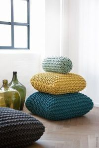 I would love a pile of crocheted cushions this big and colourful! | DIY Home Cuteness