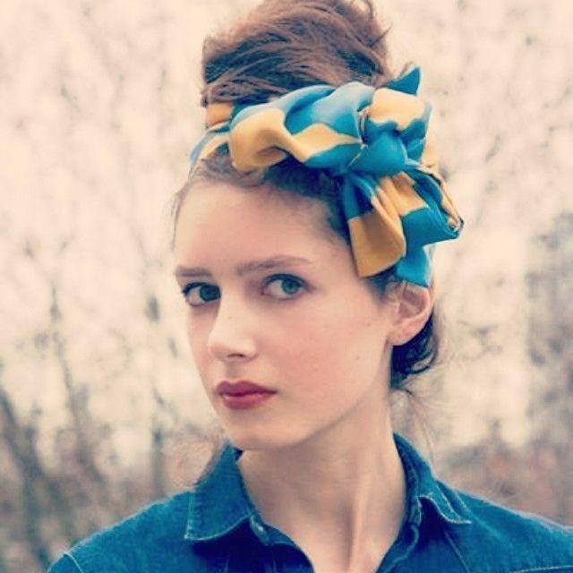 スカーフって実は超優秀アイテム!バックに着けたり、首に巻いたり、髪につけたり、アレンジし放題の役立ちアイテムですよね♡その中でも今回は特に真似したいスカーフを使ったヘアアレンジをまとめました!ぜひぜひ、新しいヘアアレンジの参考に使っちゃってください♬