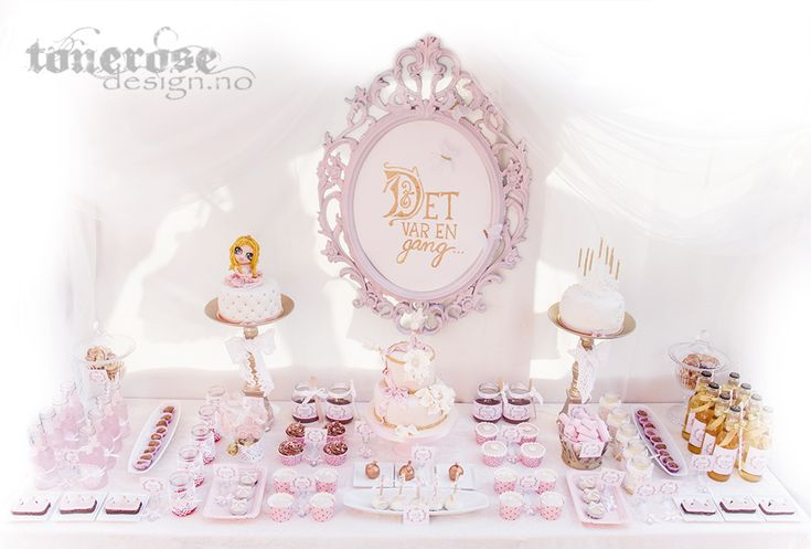 Princess dessert table // sweet table - once upon a time, fairytale