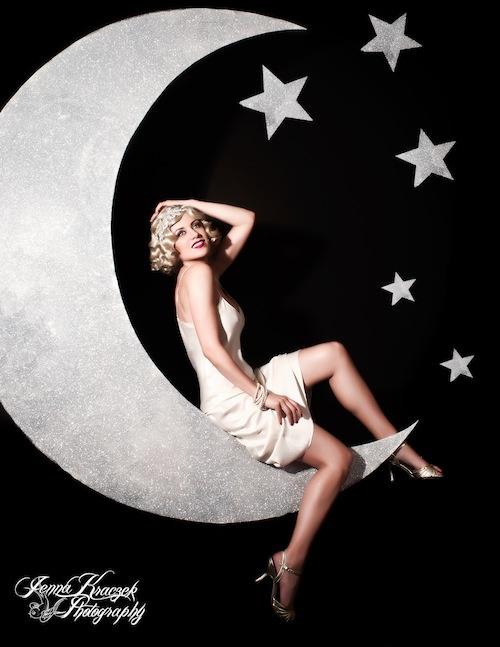 paper moon: Rebel Pin Up, Girls Reminder, Girls Generation, Starry Night, Cute Ideas, Paper Moon, Fall Stars, Pin Up Girls, The Moon