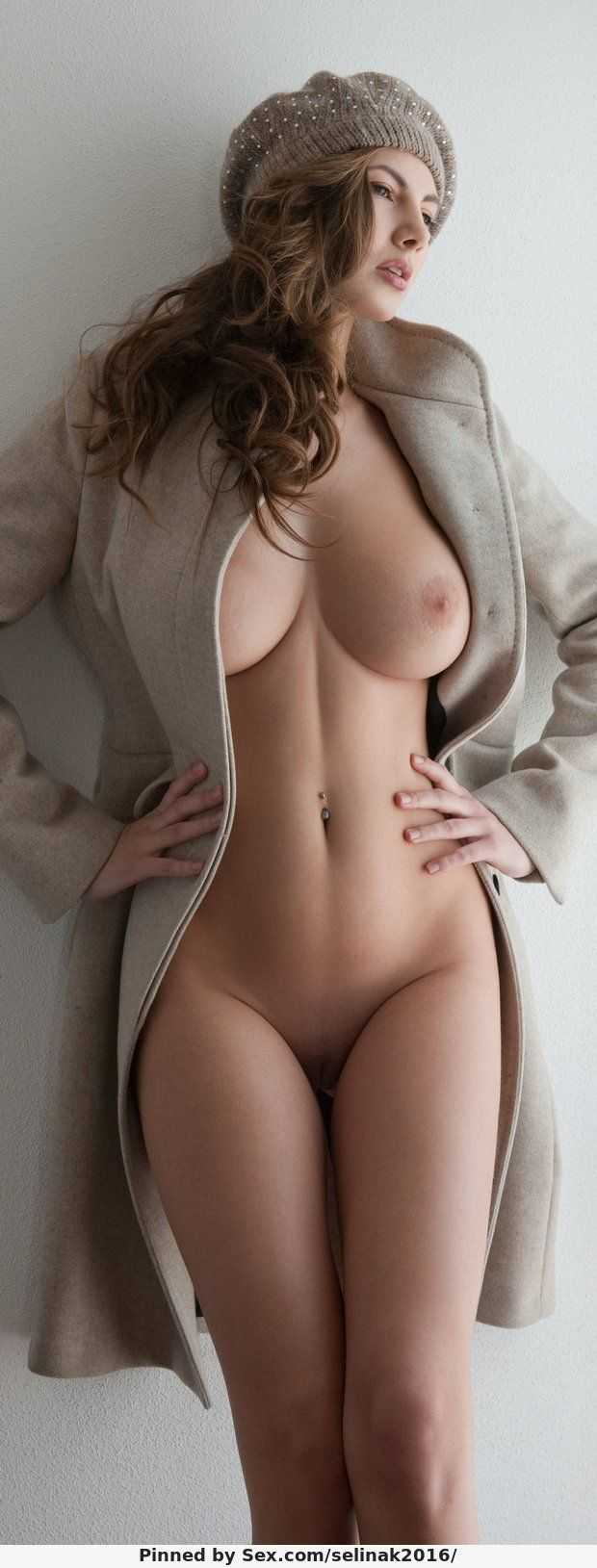Gorgeous hottie nude #4