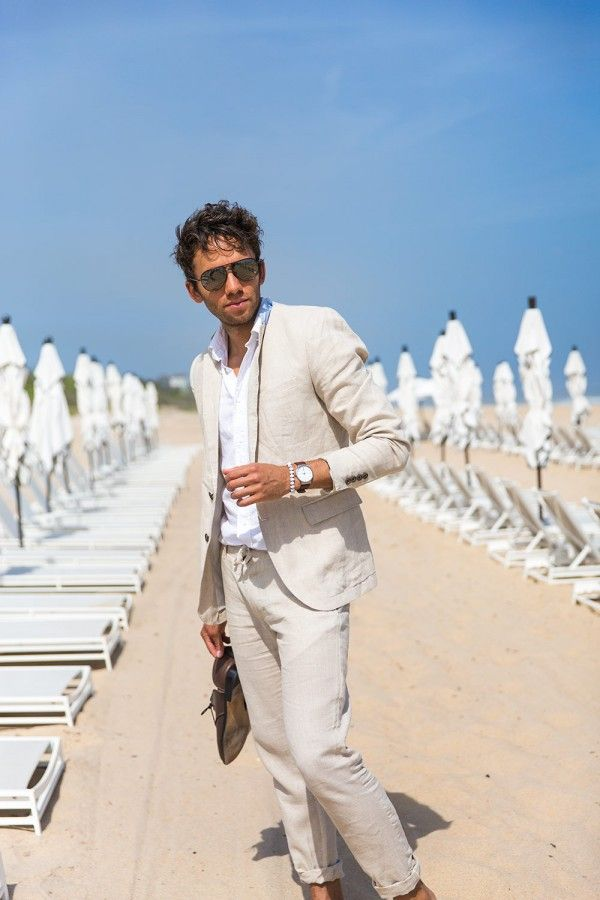 Talun Zeitoun wears a two-piece linen suit by Zara
