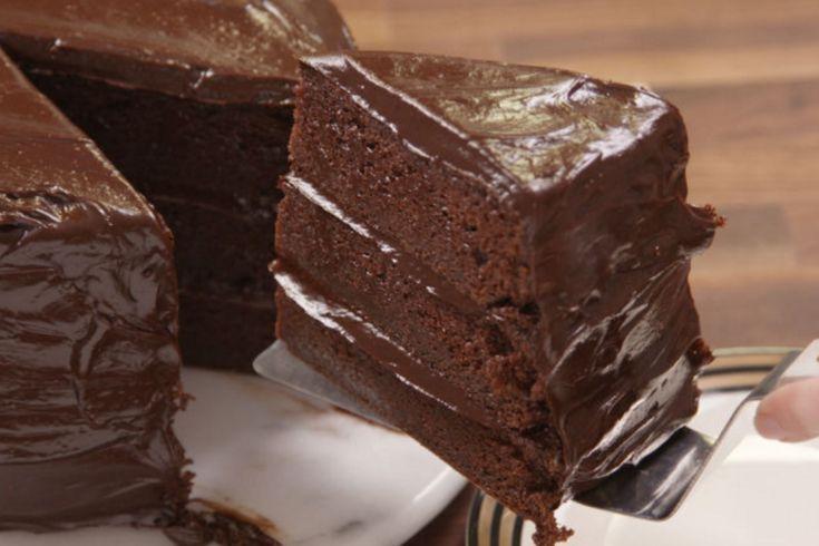 Make Your Own 'Matilda' Chocolate Cake