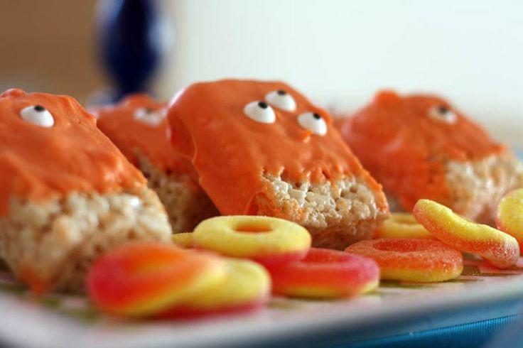 Rice crispy treats: Monsters Parties, Birthday Celebrity Ideas, Monsters Treats, Krispie Treats, Monsters Rice, Krispie Monsters, Aliens Ideas, Rice Krispie, Rice Crispy Treats