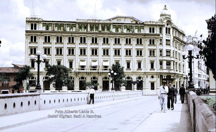 Hotel alférez Real Años 30s Foto Alberto Lenis B. Color digital Saúl Antonio Ramirez