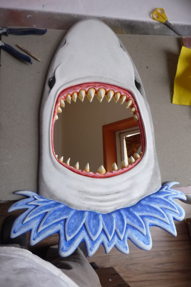 Shark mirror - Jaws ! All we got to do now is hang him up..!