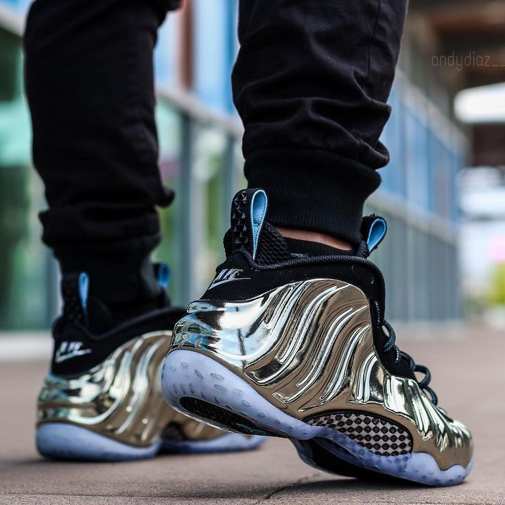Rate this Shot 1-100!  @andydiaz__ comes thru with our favorite shot of the 2015 All-Star Foamposite  #houseofheat